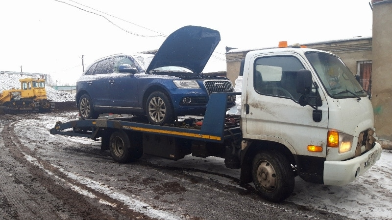 Эвакуация Ауди до автосервиса рис. 255